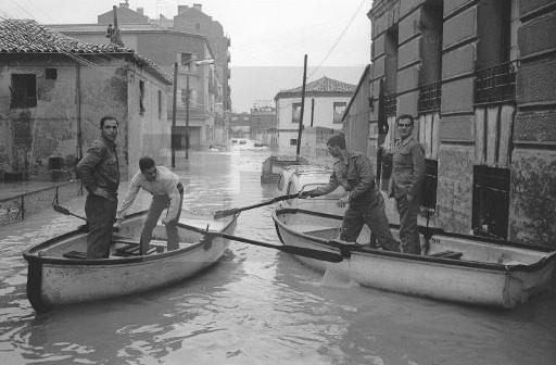 Fotos antiguas: Inundaciones en Madrid (1966)