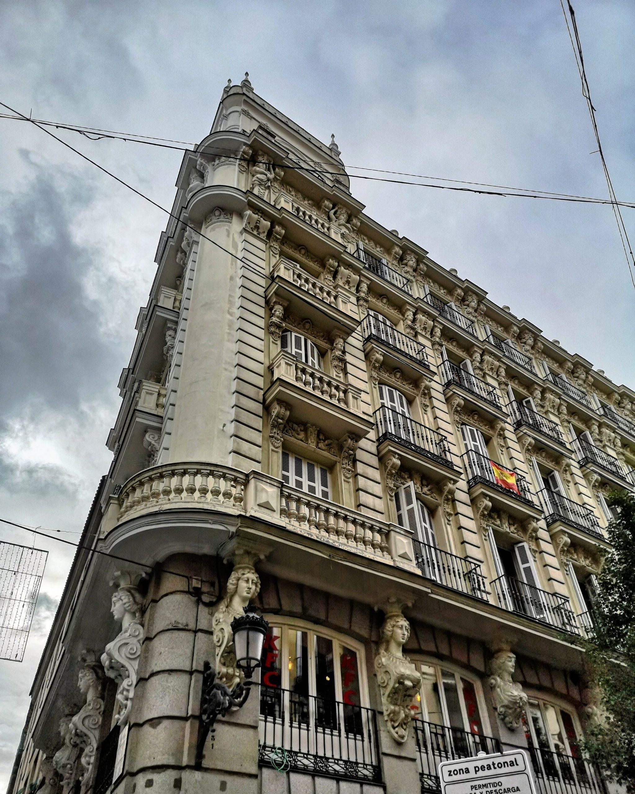 La Casa de los Pezones, Madrid