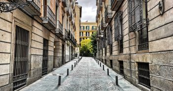 Calle Señores de Luzón, Madrid