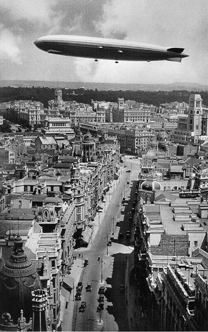 Zeppelín en Gran Vía