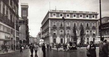Plaza de Jacinto Benavente, años cuarenta.