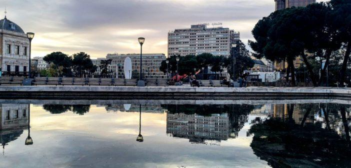 La postal de la semana: Foto de familia en la Plaza de Colón